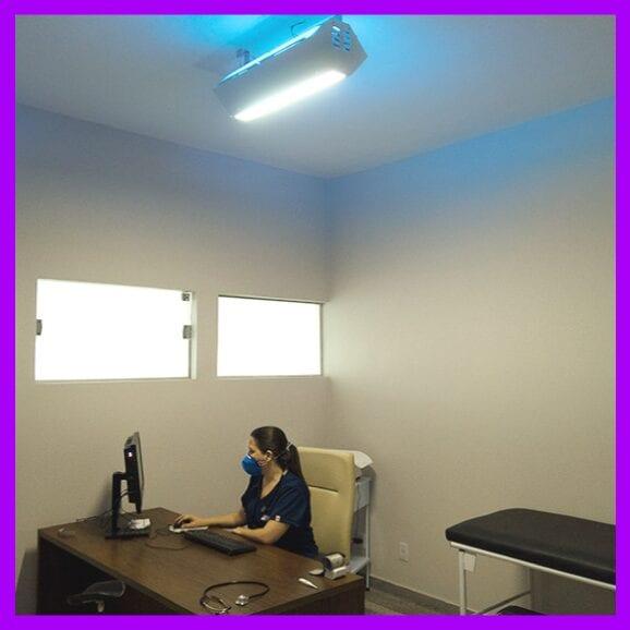 UV Upper Room instalado em sala médica
