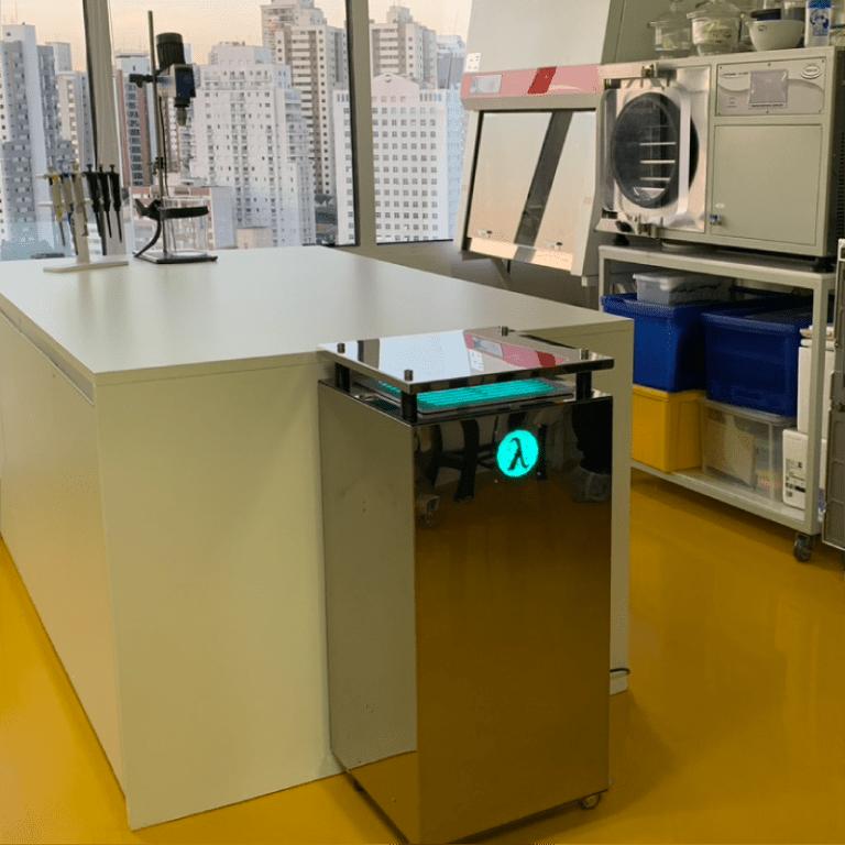 UV Air instalado em laboratório de pesquisa
