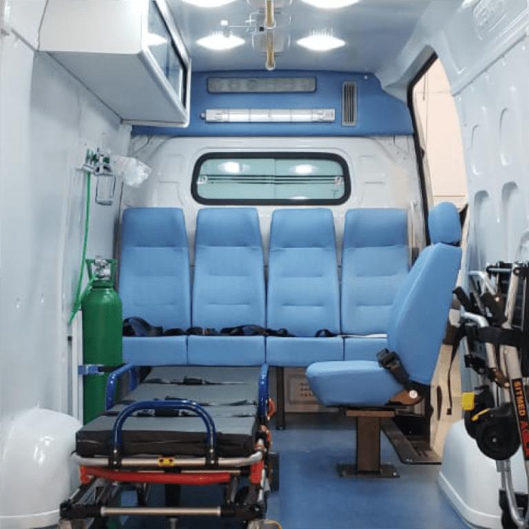 UV Room instalado dentro de ambulância