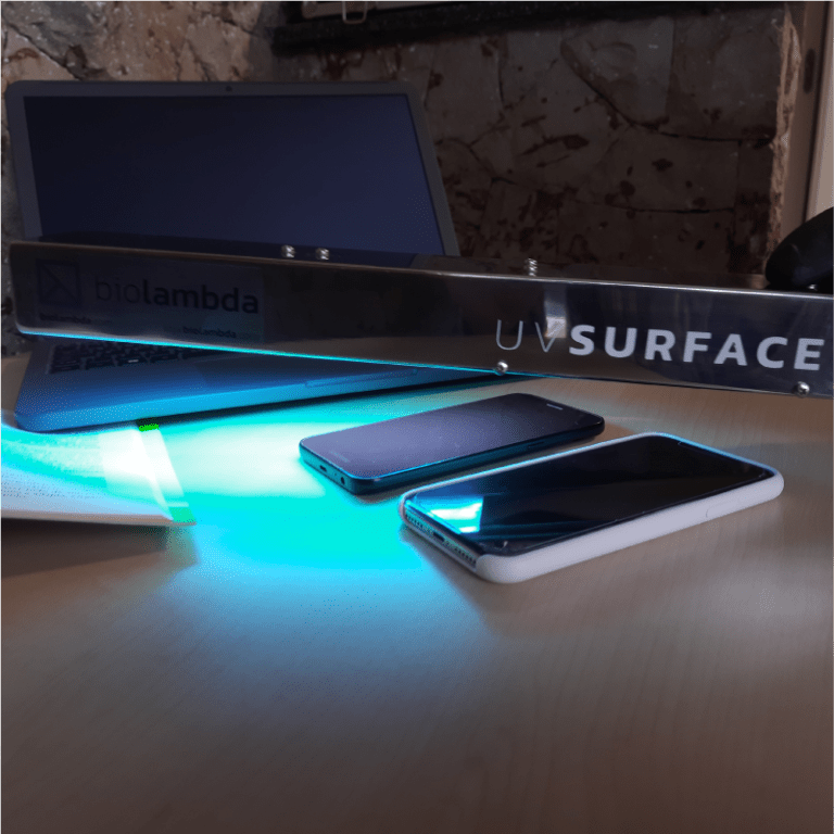 UV Surface usado para desinfecção de materiais não laváveis, como celulares, notebook e livro