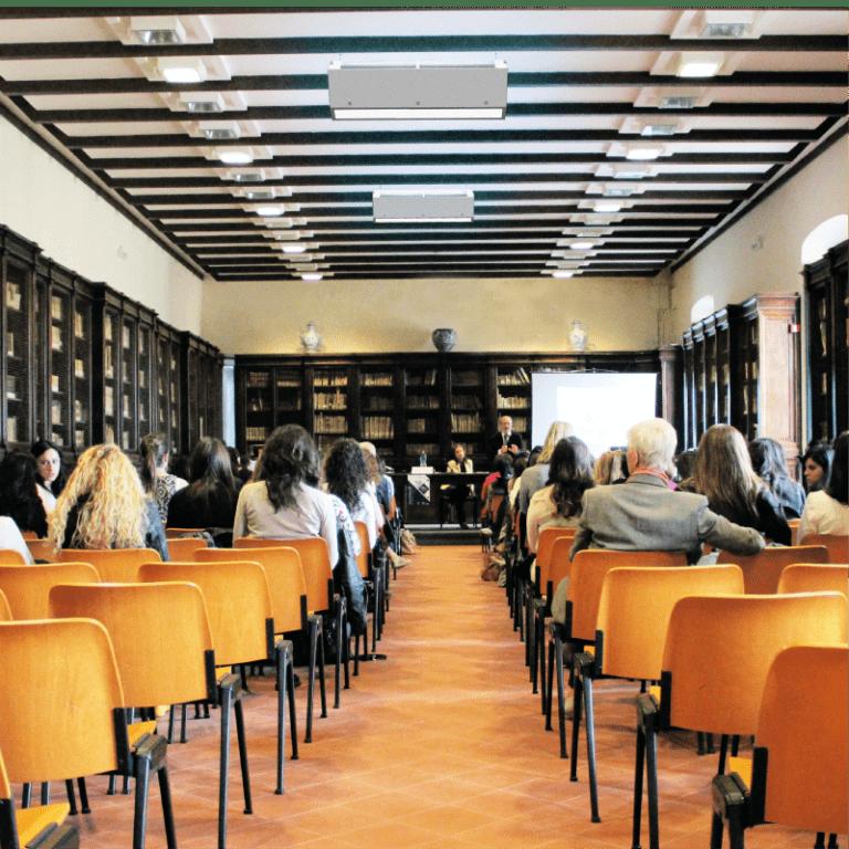 Conjunto de UV Upper Room instalado em auditório